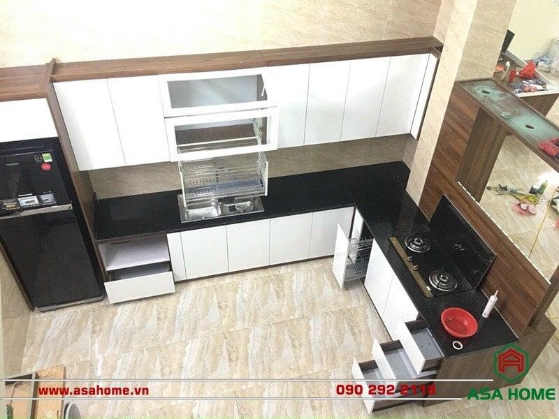 Chiều cao tổng của tủ bếp tránh vượt quá 240cm để không gây bất tiện cho người dùng